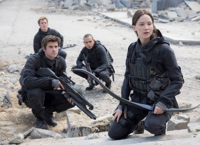 Katniss prepares for battle in First Photo from Mockingjay Part 2