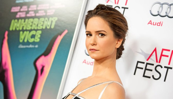 'Fantastic Beasts' casts Katherine Waterston as Female Lead