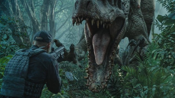 'Jurassic World' Smashes Box-Office Records with $180 million+ Weekend
